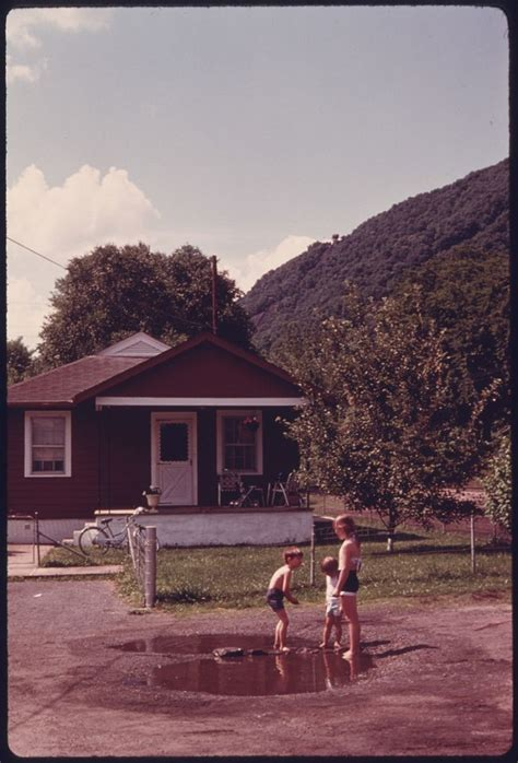 22 Photos Of West Virginia In The 1970s