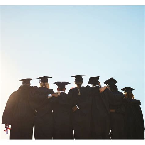 What Does it Mean to Graduate With Honors? | Synonym